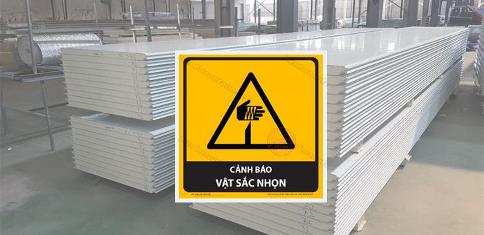 Cấm sử dụng vật nhọn để vận chuyển hoặc đâm vào tấm panel cách nhiệt kho lạnh.