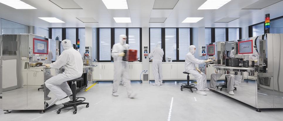 Ứng dụng phụ kiện nhôm phòng sạch thi công phòng sạch quang học