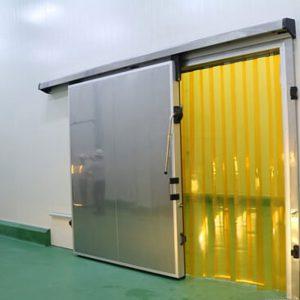 Cửa kho lạnh là một trong những Vật liệu cần thiết làm kho lạnh