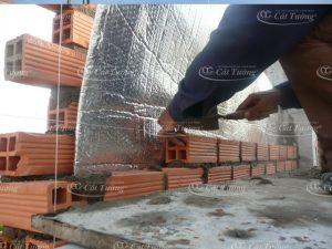 Tấm Cách Nhiệt Mái Tôn là gì? là vật liệu dùng để xây dựng vách chống nóng.